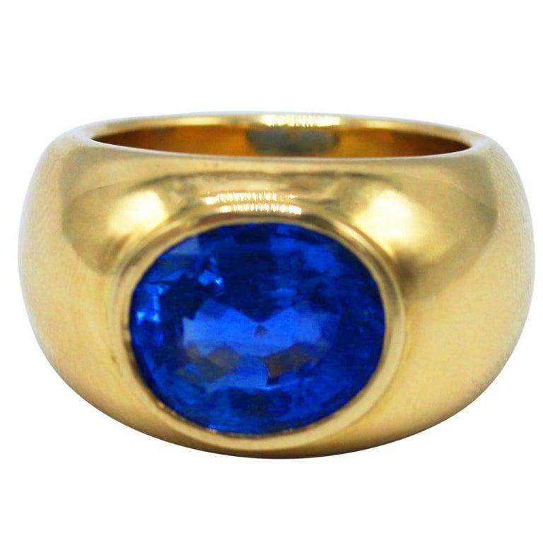 8.23 Carat No Heat Sri Lankan Sapphire and Gold Ring