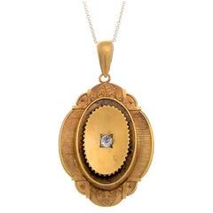 Victorian 18 Carat Gold 0.20 Carat Diamond Memorial Locket