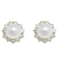 7.42 ct Diamonds, 6.50 g Australian Pearls Earrings