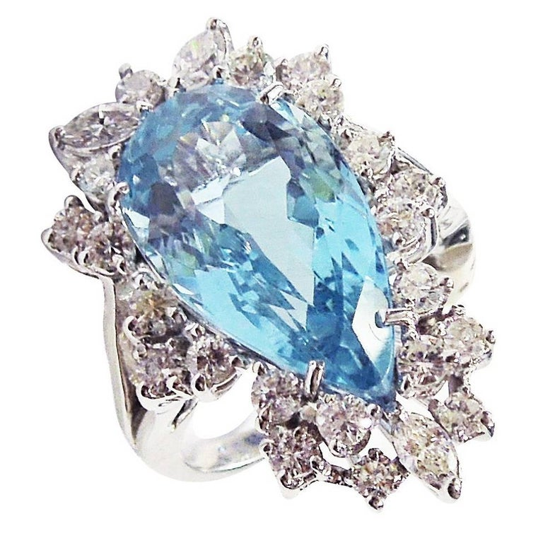 Pear Shape Aquamarine Diamond Gold Ring For Sale at 1stdibs