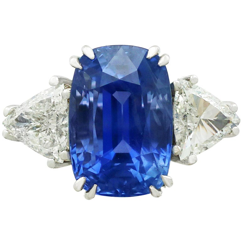 1990s 13.91 Carat Ceylon Sapphire and 1.70 Carat Diamond White Gold Ring