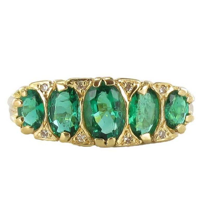 1900s Edwardian 1.66 Carat Emerald Diamond Yellow Gold Ring For Sale