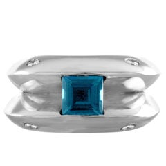 Italian Modern 0.70 Carat Blue Topaz Diamond Gold Ring