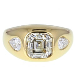 Bulgari 2.75 Carat Emerald Cut Diamond 18 Carat Gold Ring