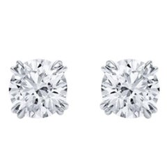 Pair of Stud Earrings Round Diamond 2.10 and 2.08 Carat H Vvs2 on Platinum