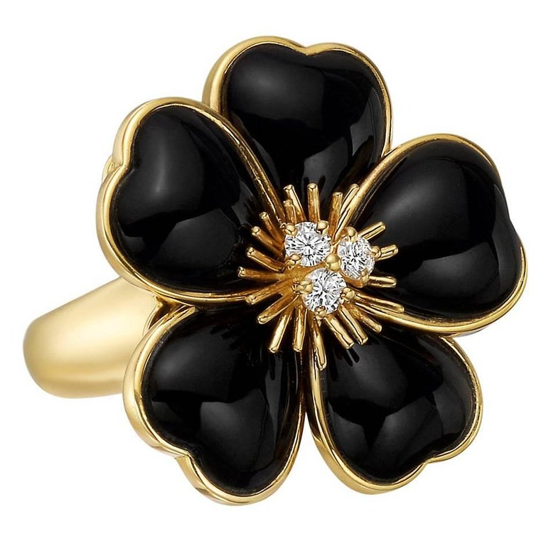 van cleef and arpels black onyx diamond rose de noel ring. Black Bedroom Furniture Sets. Home Design Ideas