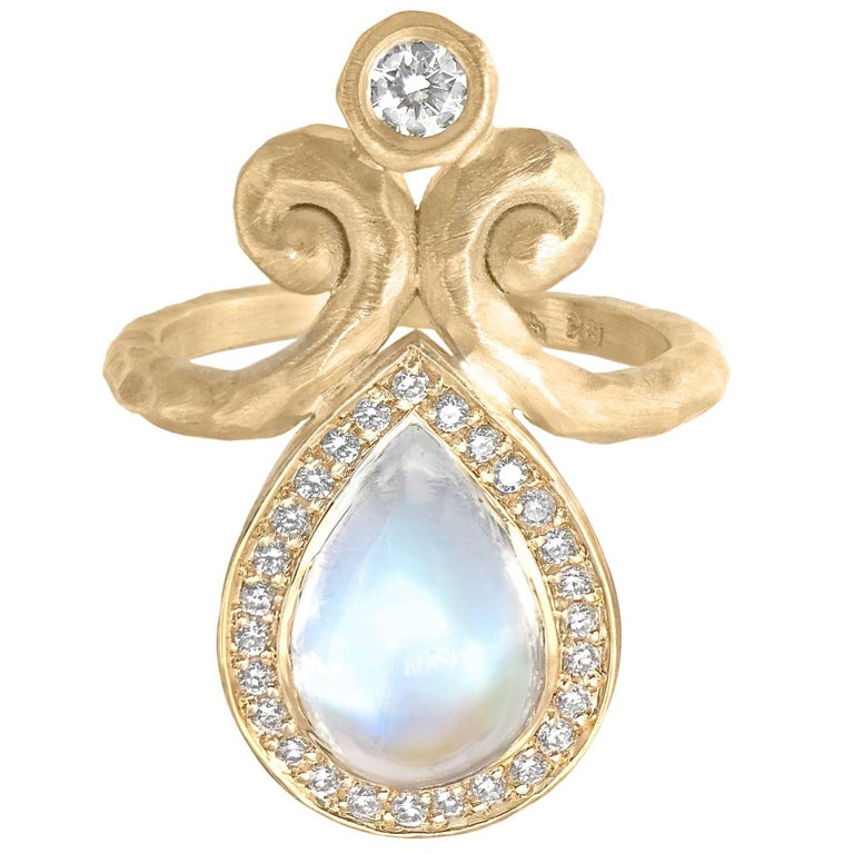 Pamela Froman One of a Kind Rainbow Moonstone White Diamond Hammered Gold Ring