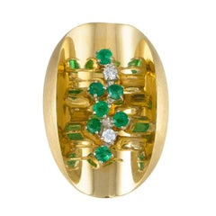 Daou Ellipse Diamond and Emerald Yellow Gold Oval Concave Ring