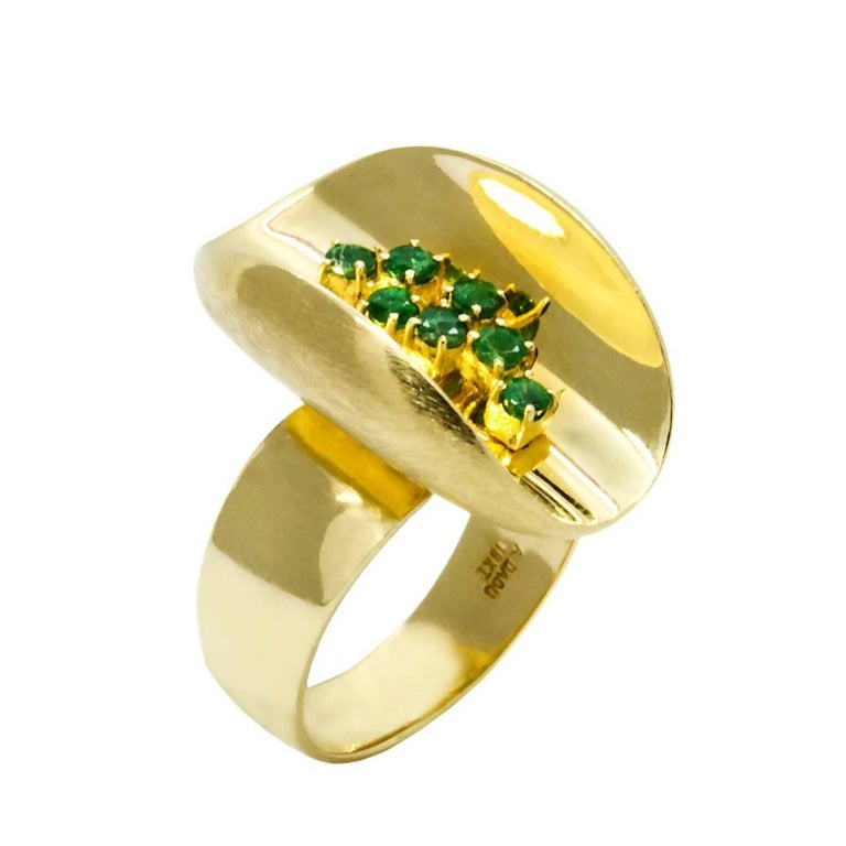 Daou Emerald Yellow Gold Ellipse Cocktail Ring 1