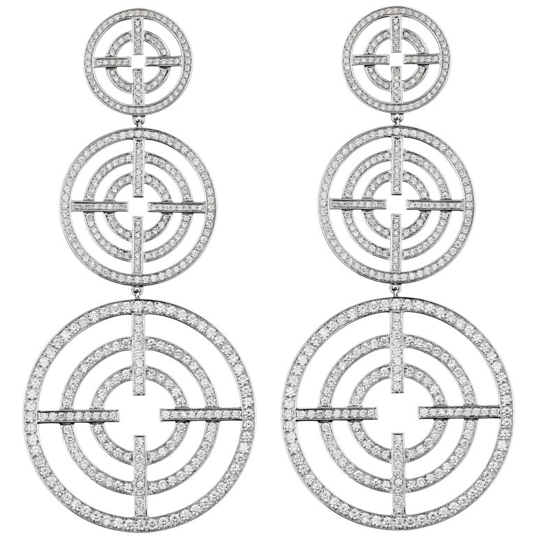 Akillis Licence to Akillis Pendant Earrings 18 Karat White Gold White Diamonds For Sale