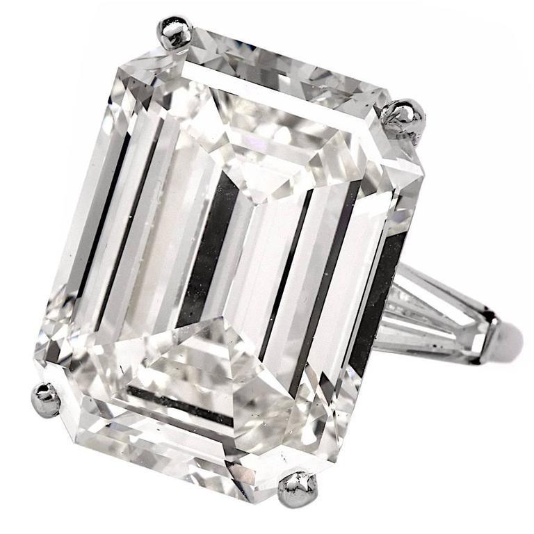 Exceptional Emerald Cut 18.61 Carat Diamond Platinum Engagement Ring 1