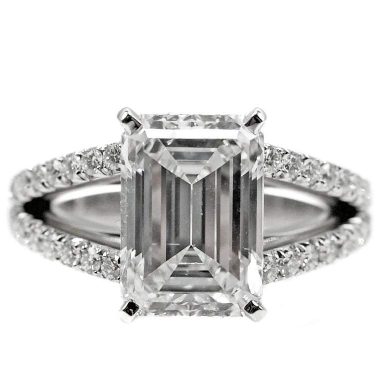 4.15 Carat GIA G VVS1 Emerald Cut Diamond Platinum Split Shank Engagement Ring For Sale