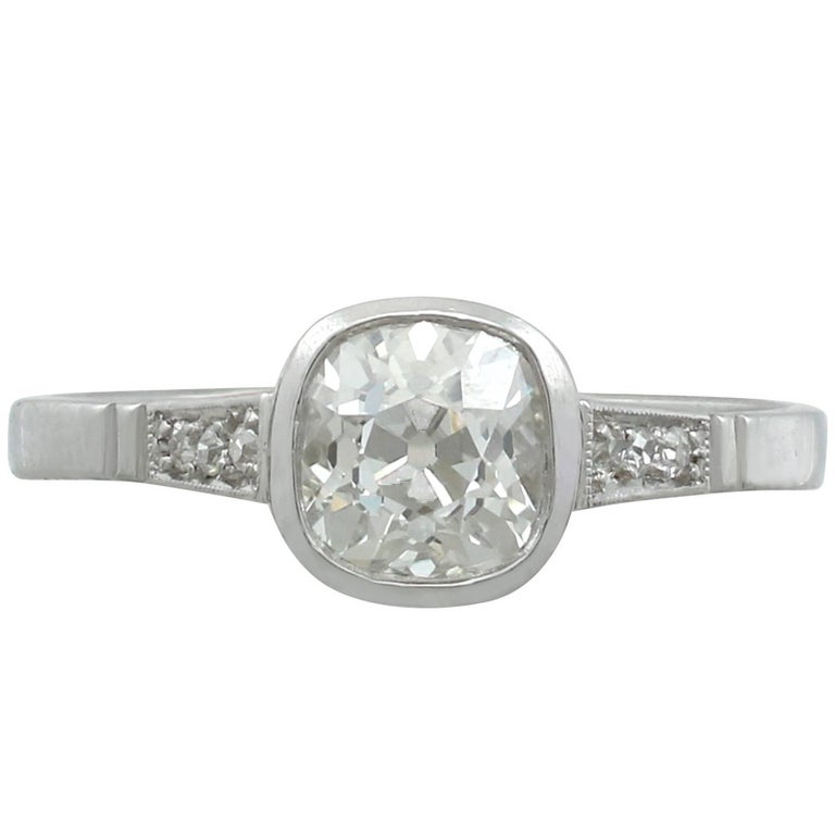 1920s 1.07 Carat Diamond and White Gold Solitaire Ring
