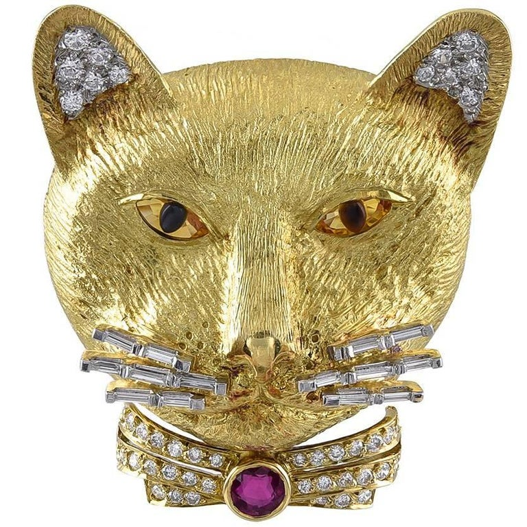 Diamond Gold Cat Brooch