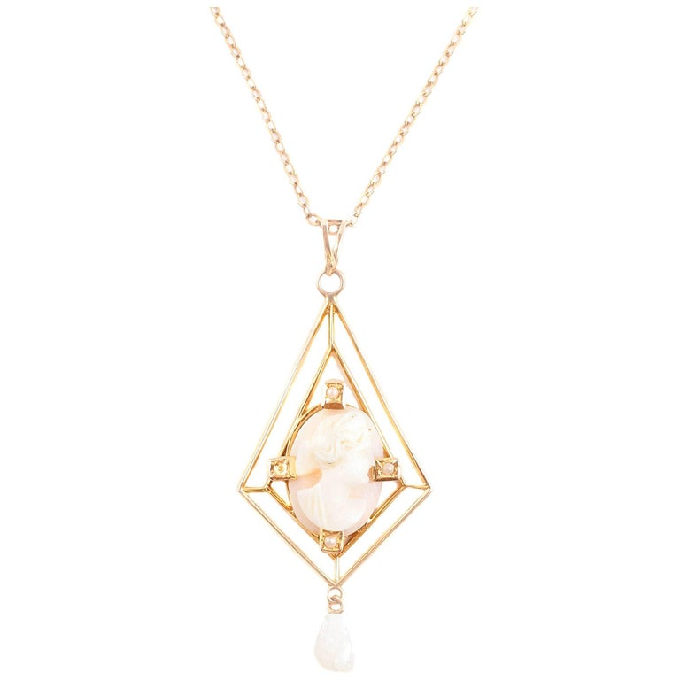 Yellow Gold Cameo Freshwater Pearl Lavalier Necklace, circa 1900