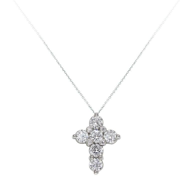 Round Cut Diamond Gold Cross Pendant Necklace