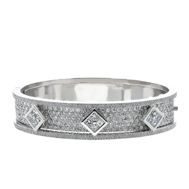 Diamond Bangle Bracelet in White Gold