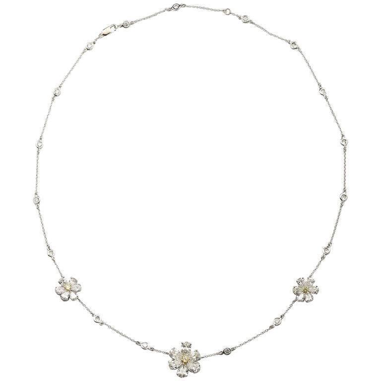 Three Flower Pendant Diamond Yard Necklace