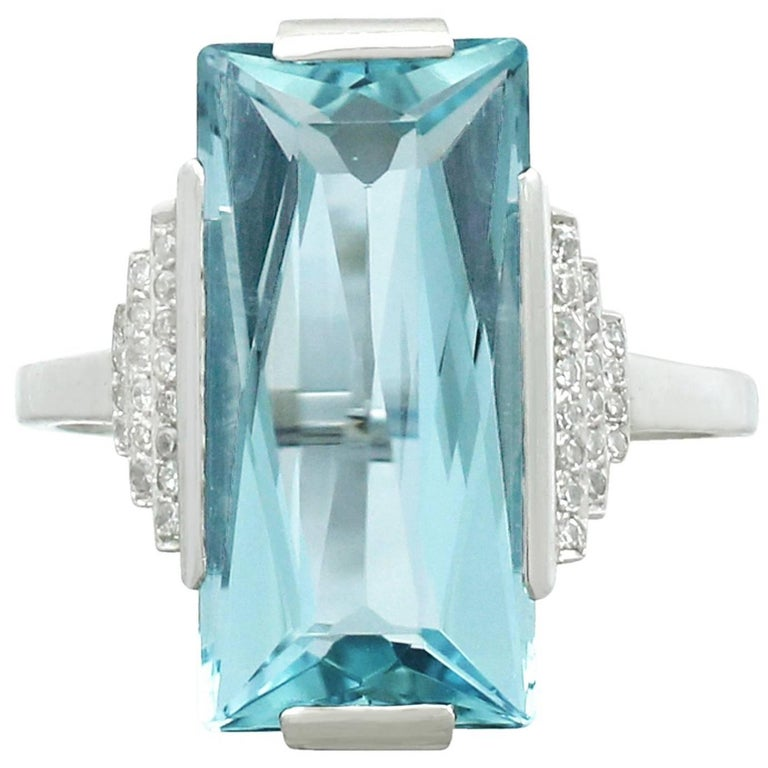 1930s Antique 6.47 Carat Aquamarine and Diamond White Gold Cocktail Ring For Sale