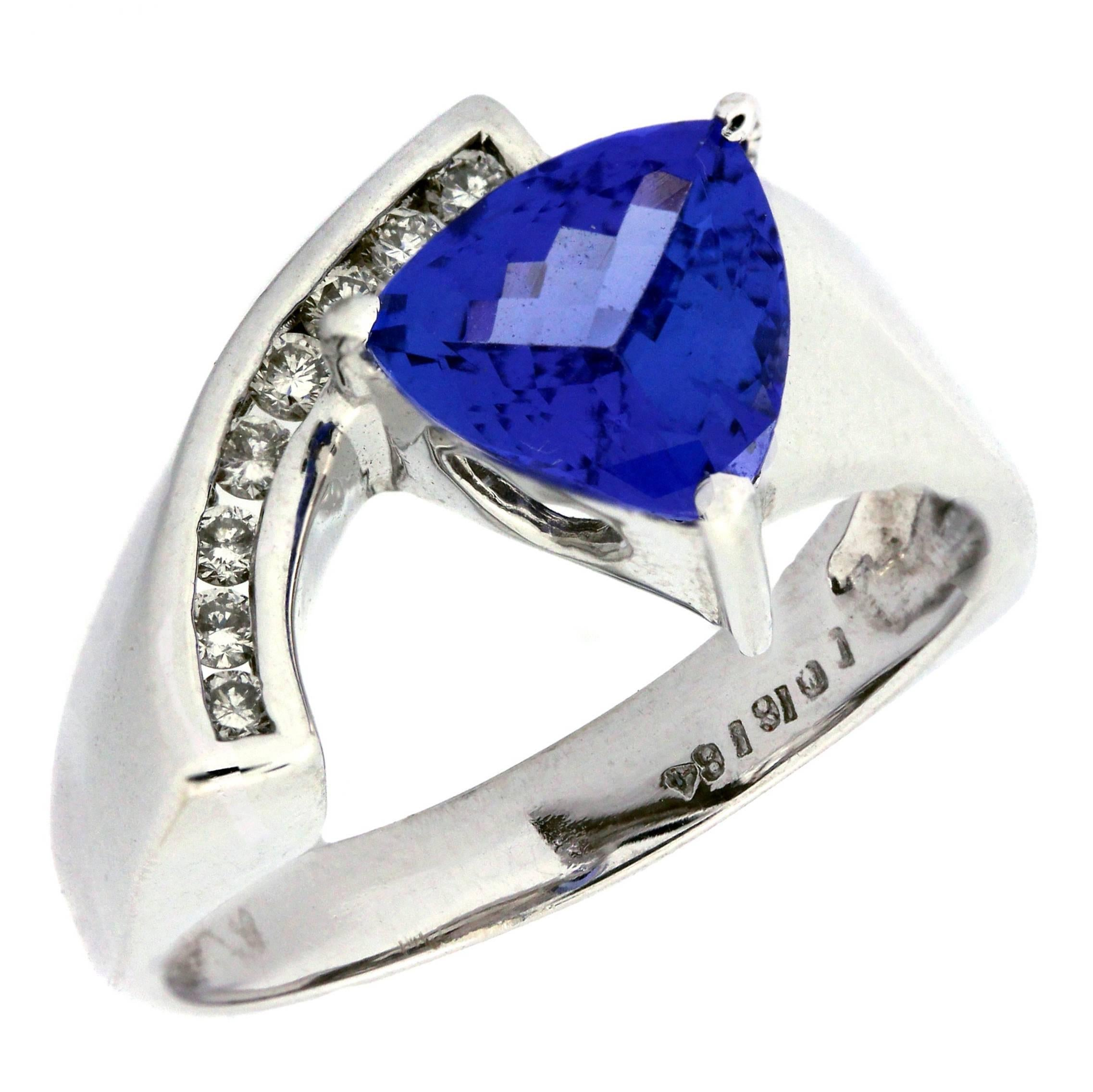 gold diamonds karat ring trillion summit triangular cut project tanzanite eighteen