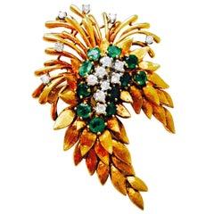 French Art Deco 1940s 18 Karat Gold 4.84 Carat Emerald Diamond Necklace Pendant