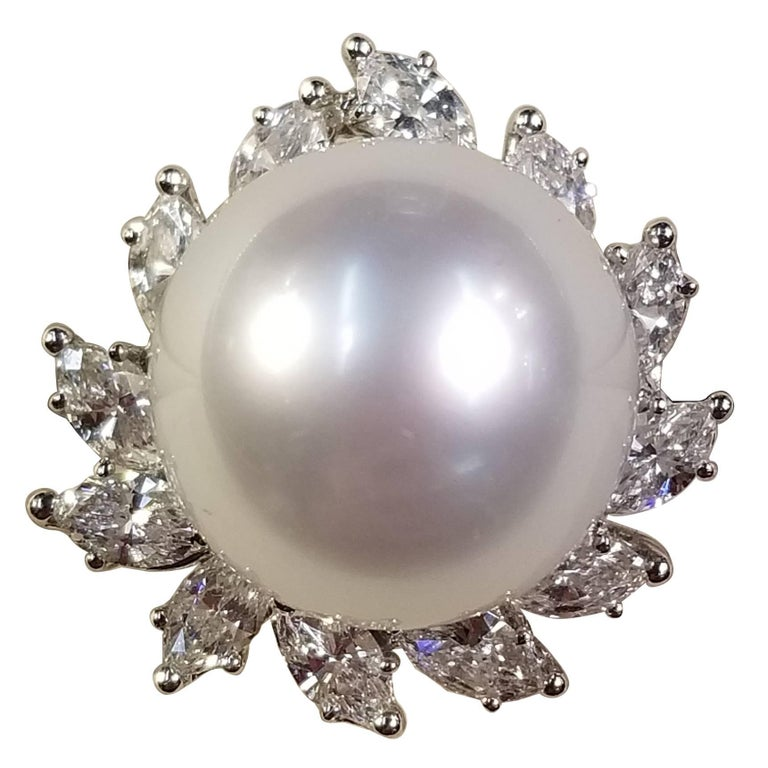 18 Karat White Gold Ring with South Sea Pearl and Surrounding Marquise Diamonds