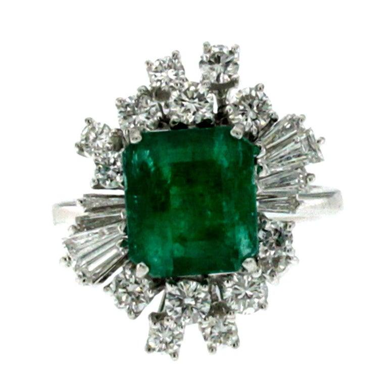 Estate 3.00 Carat Colombian Emerald Diamond Gold Ring