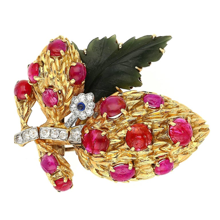 1940s Ruby, Sapphire, Diamond and Nephrite Jade Pin Brooch For Sale