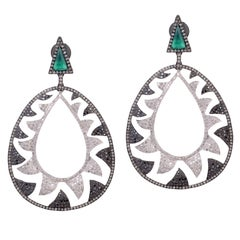 Meghna Jewels Interlocking Claw Earrings 6.22 Black and White Diamonds