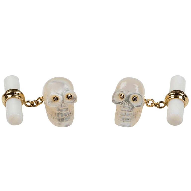 Skull Yellow Gold Cufflinks in Mother-of-Pearl and Diamonds
