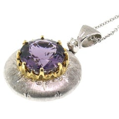 18kt Gold Hand-Engraved Pendant with a Purple Scapolite, Handmade in Italy
