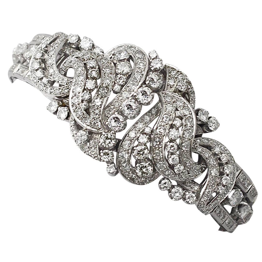 d2fdd48f6865b 1950s 10.56 Carat Diamond Gold Bracelet