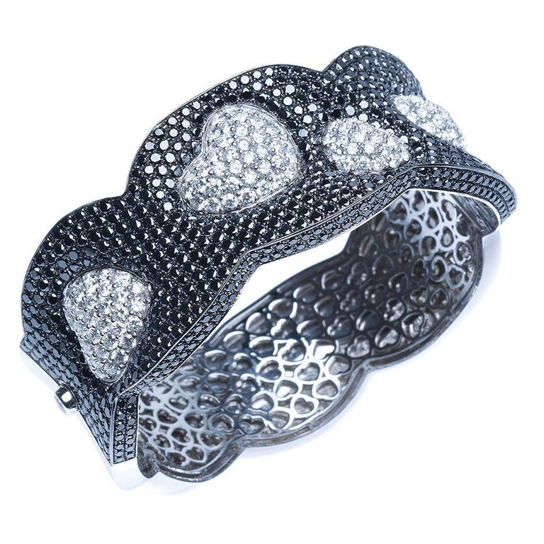 Black Diamond 18 Karat White Gold Heart Cuff Bracelet