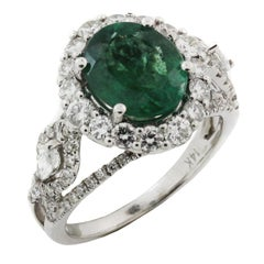 Emerald Ring with White Gold and Diamonds