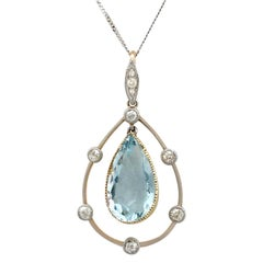 1910s Antique 4.55 Carat Aquamarine and Diamond Yellow Gold Pendant