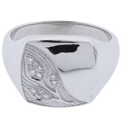 Asprey Signet Ring 18 Karat White Gold Leaf Motiff