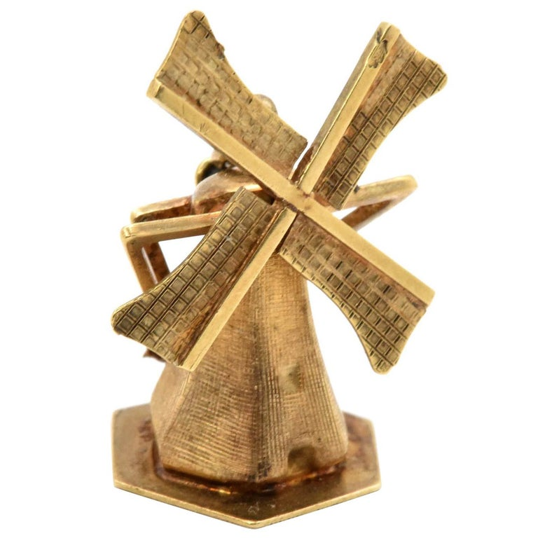 14 Karat Yellow Gold Articulated Windmill Charm Pendant 2.8 Grams