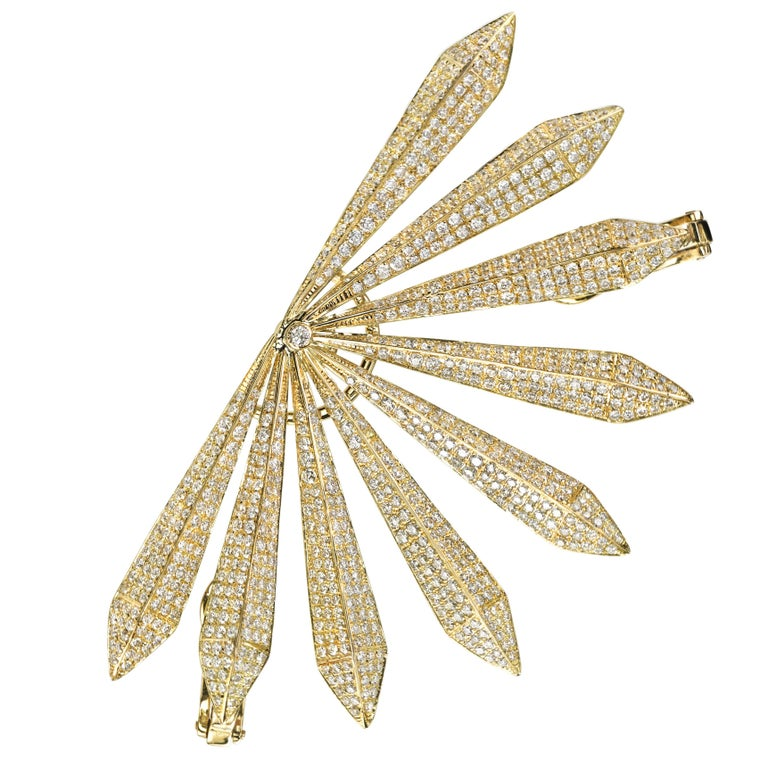 18 Karat Yellow Gold Diamond Sunrise Ear Cuff