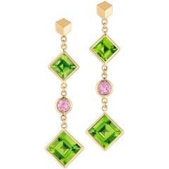 18 Karat Yellow Gold Peridot and Pink Sapphire Florentine Earrings