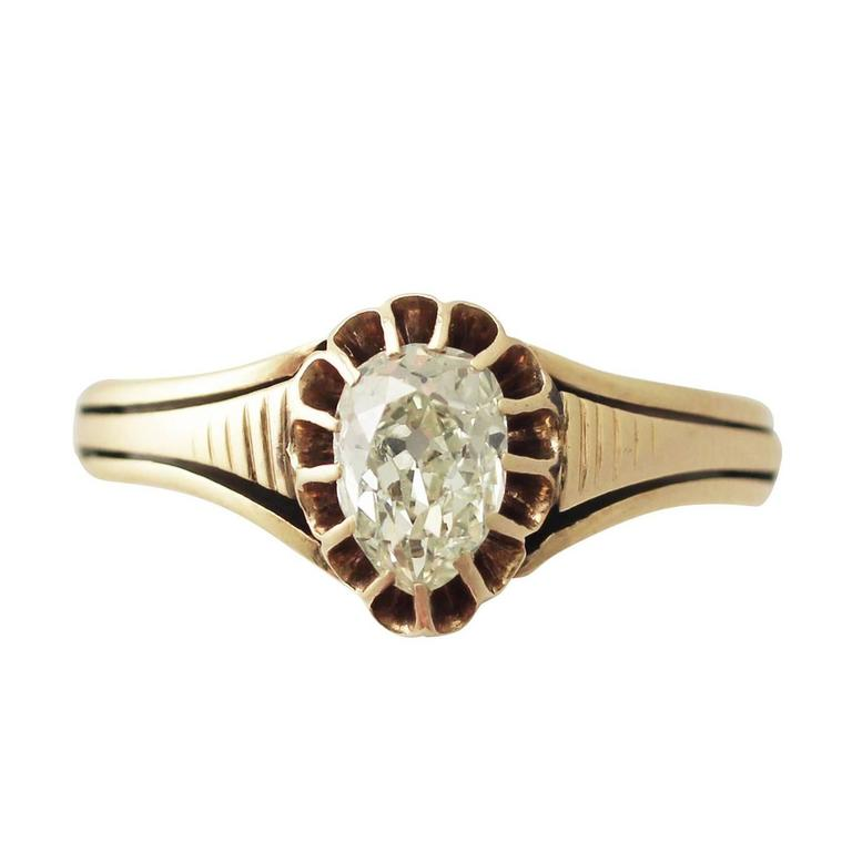 Victorian 1880s Pear Cut 0.98 Carat Diamond and 15k Yellow Gold Solitaire Ring