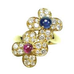 Van Cleef & Arpels Alhambra Trefle Ruby Sapphire Diamond Gold Double Flower Ring
