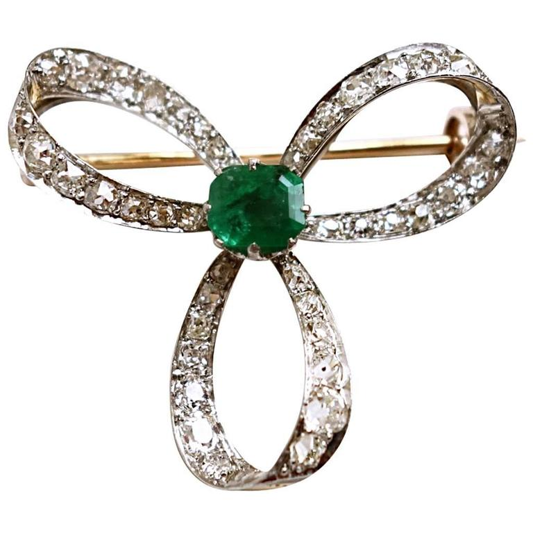Victorian Emerald and Diamond Ribbons Pendant Brooch
