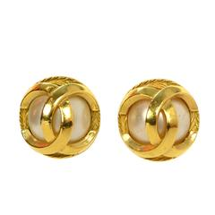 Chanel Vintage '70s Pearl & Gold Clip On Earrings