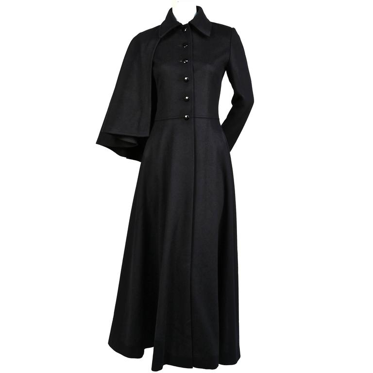 very rare YVES SAINT LAURENT black wool cape coat - 1970 For Sale