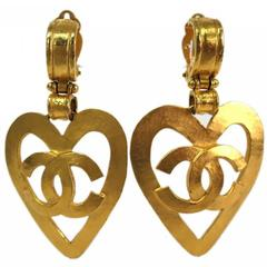 Chanel Gold Heart Dangle Earrings