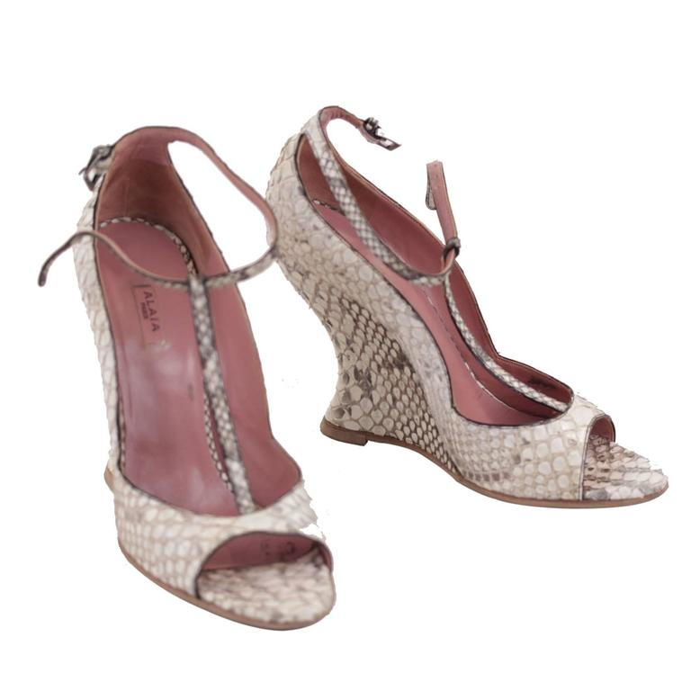 AZZEDINE ALAIA Beige SNAKE Reptile Leather WEDGES SHOES Size 38 1/2 w/ BOX  For Sale