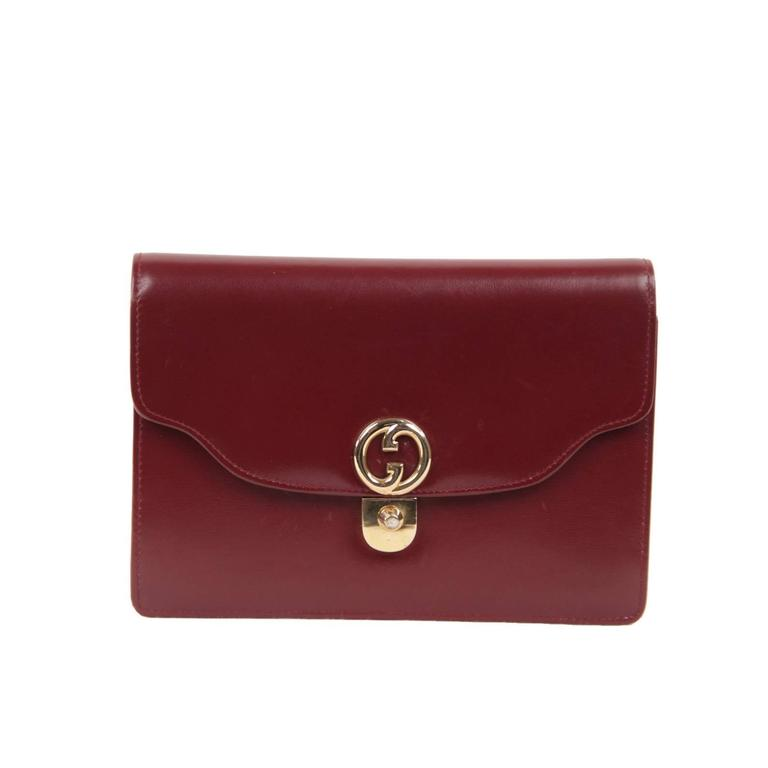 9cafa344be0 GUCCI Italian VINTAGE Burgundy Leather CLUTCH Handbag PURSE Evening Bag For  Sale