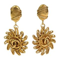 Chanel Vintage Gold Sun Dangle Earrings