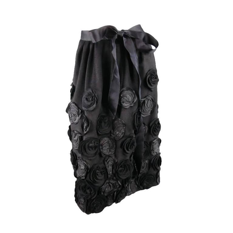 OSCAR DE LA RENTA Size 6 Black Wool / Angora Floral Embellished Skirt 2006 For Sale