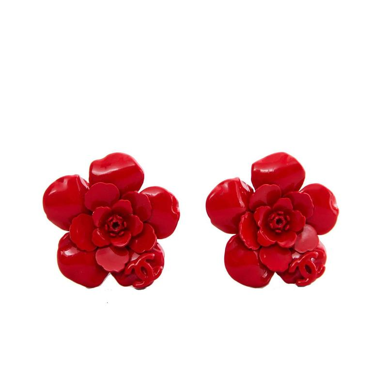 1980s Red Painted Metal Chanel Flower Clip-On Earrings For Sale